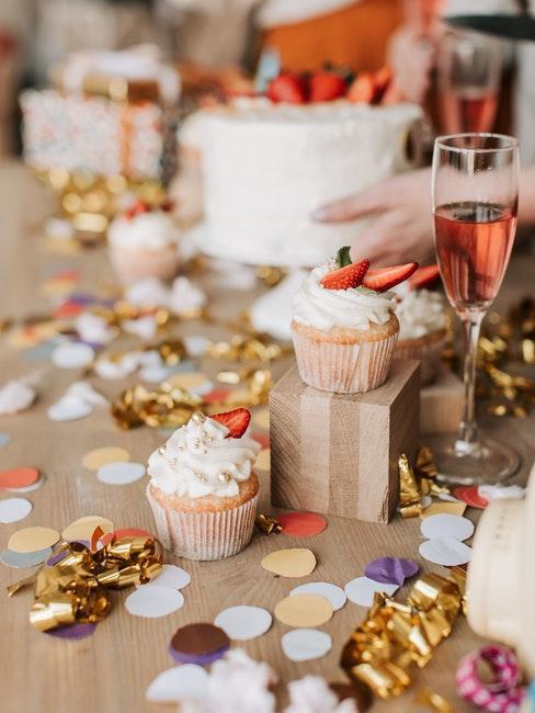 champagne, cupcakes, fête, gâteau de mariage