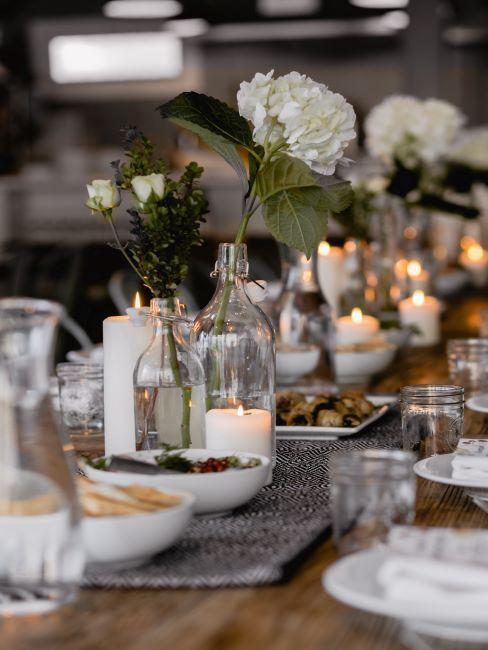 table de mariage, table festive, célébration de mariage, bougies