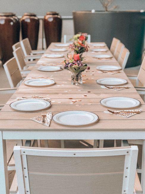une table de mariage sobre