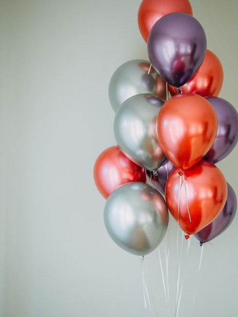 décoration mariage, décoration fête, ballons rouge argent violet