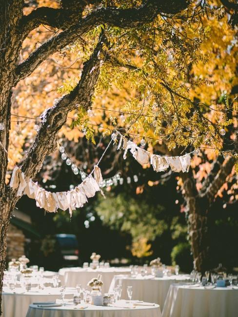 décoration de mariage boho chic avec lanternes