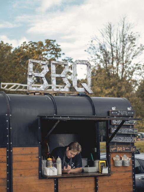 réception de mariage avec food truck