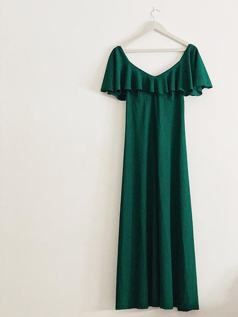 robe verte longue pour assister à un mariage en hiver