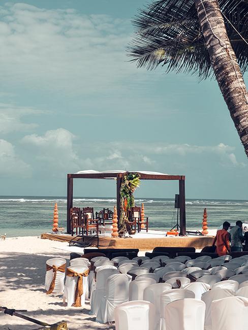 installation pour un mariage sur la plage