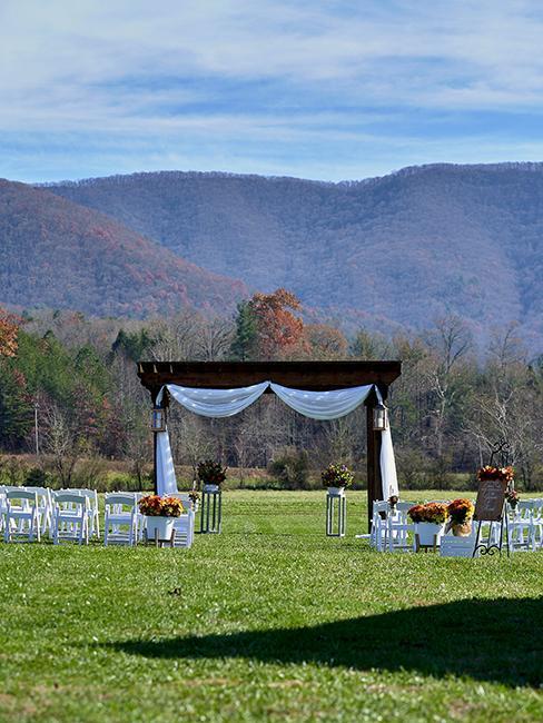 installation pour un mariage en extérieur