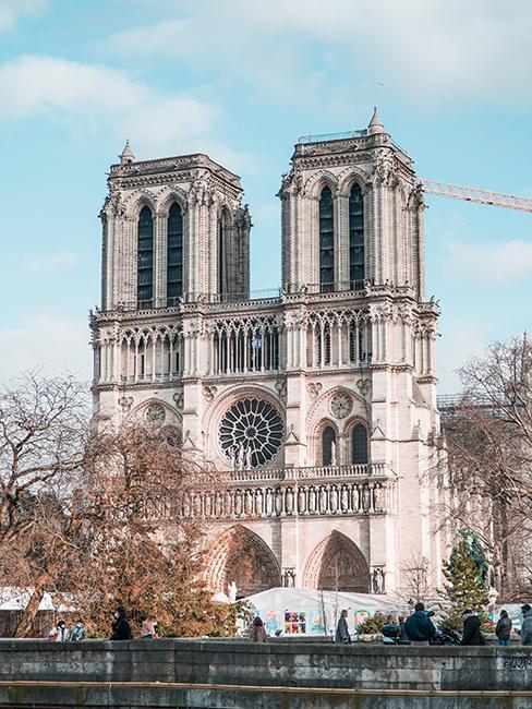notre de dame de Paris