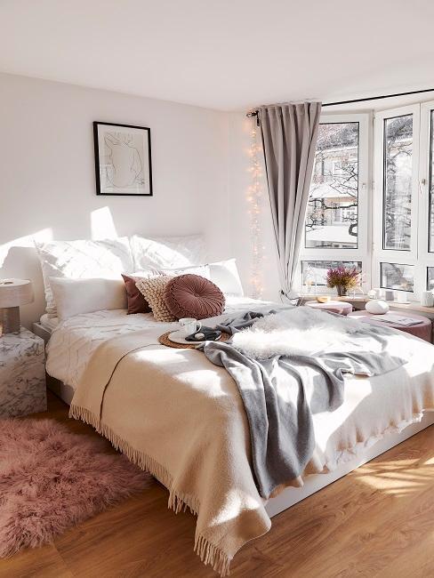 chambre à coucher cosy, plaid, couverture, coussin douillets
