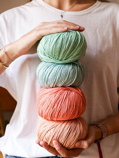 laine coloree