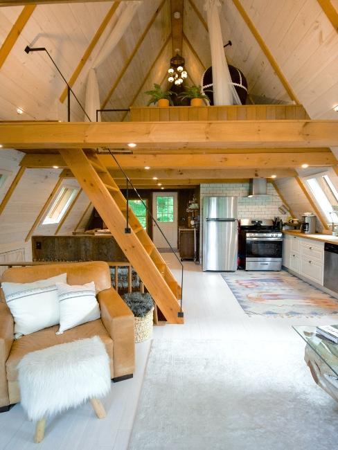 escalier en bois, maison de campagne