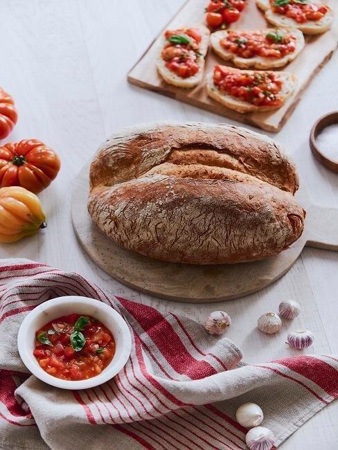 du pain, des tomates et des bruschettas recette batch cooking