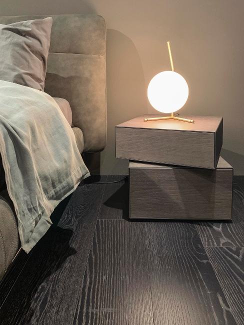 table de chevet et lampe à poser design