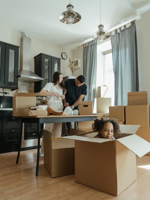 cartons, déménagement, famille, travaux