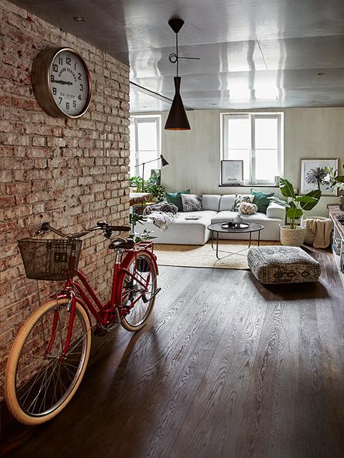 appartement loft avec mur en brique