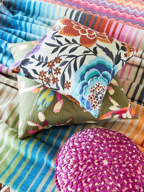 décoration mexicaine, coussins multicolores