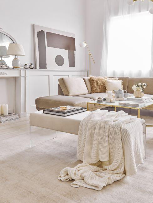 salon moderne et lumineux