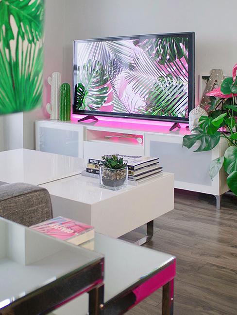 salon moderne avec lumière led rose