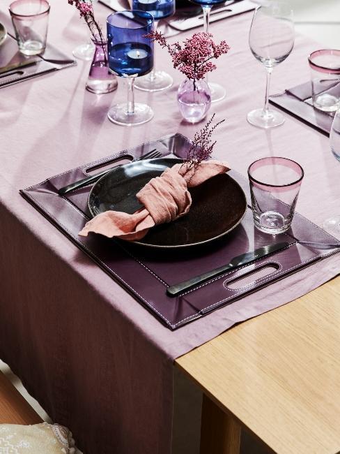 décoration de table lilas