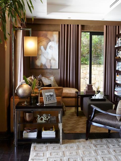 salon style colonial