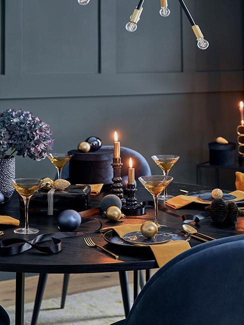 table ocre bleu marine