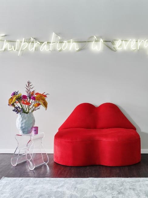 fauteuil design rouge et néon
