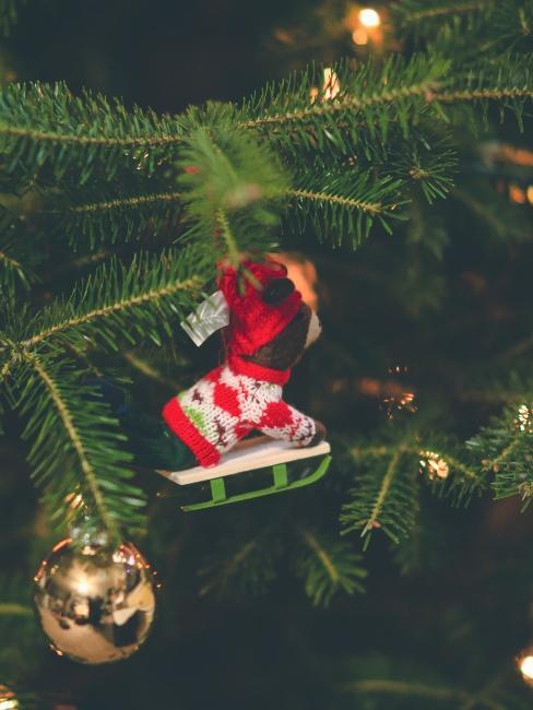 petite luge à suspendre sur le sapin de Noël