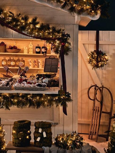 décorations de Noël, luge, guirlande, couronne