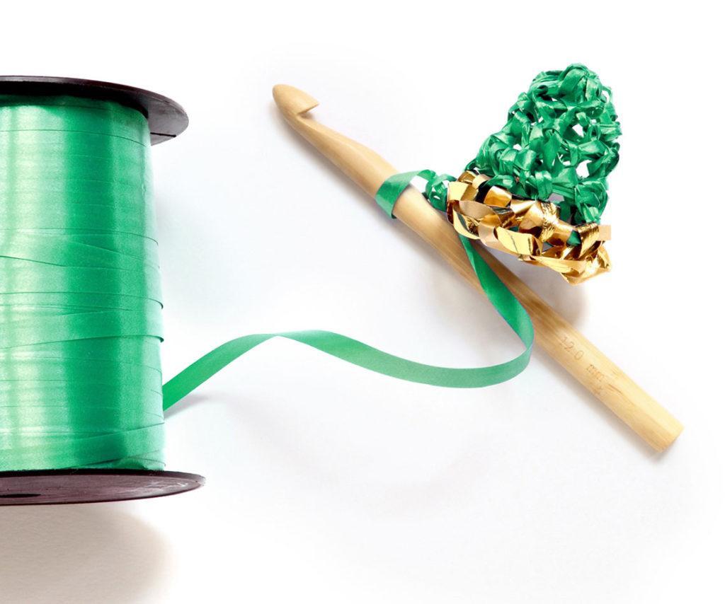 materiel DIY sapin au crachet bolduc