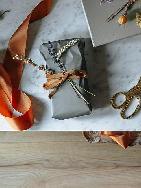 emballage cadeau avec lavande