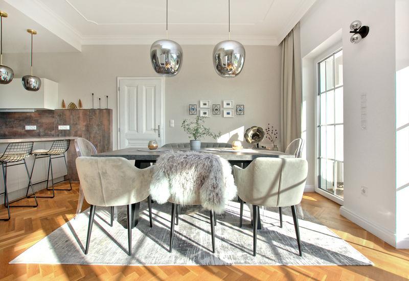 Grand salon moderne aménagé par Westwing 4
