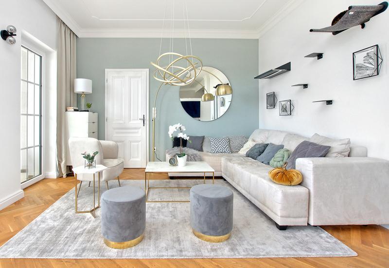 Grand salon moderne aménagé par Westwing 2