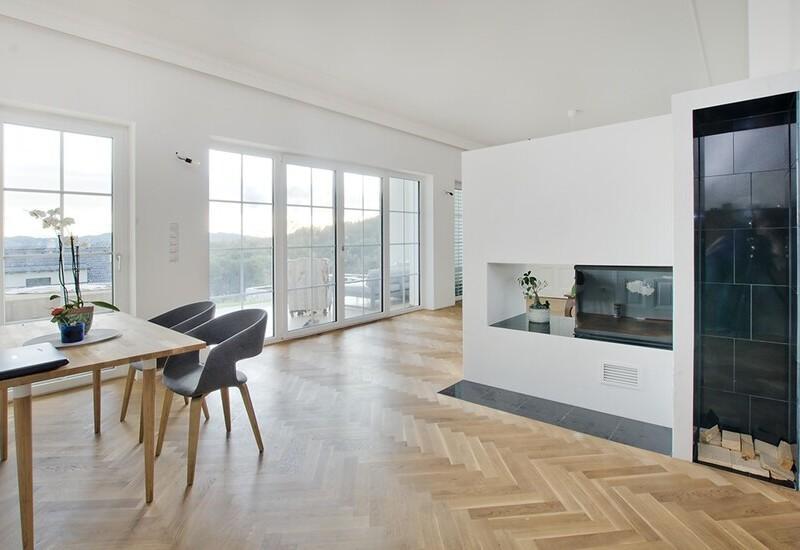 grand salon vide avant aménagement par Westwing 1