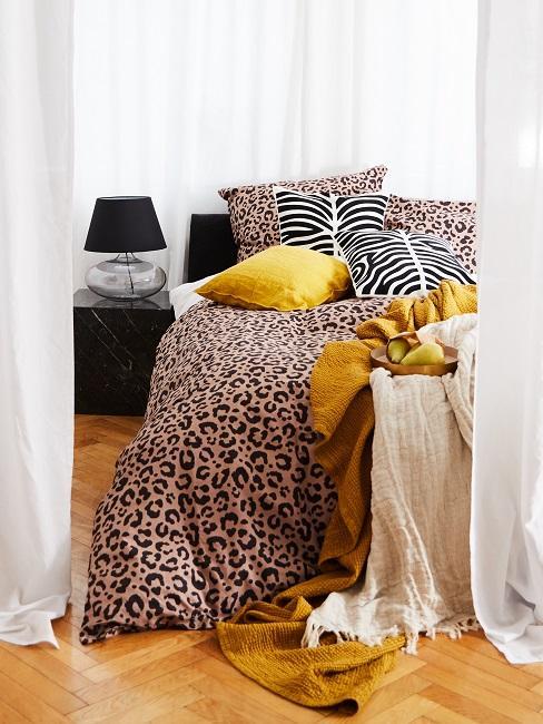 Motivo leopardato in camera da letto