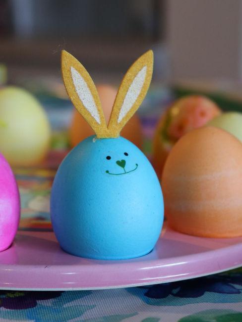 Coniglietti pasquali con le uova