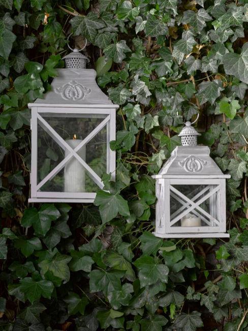 Lanterne bianche appese