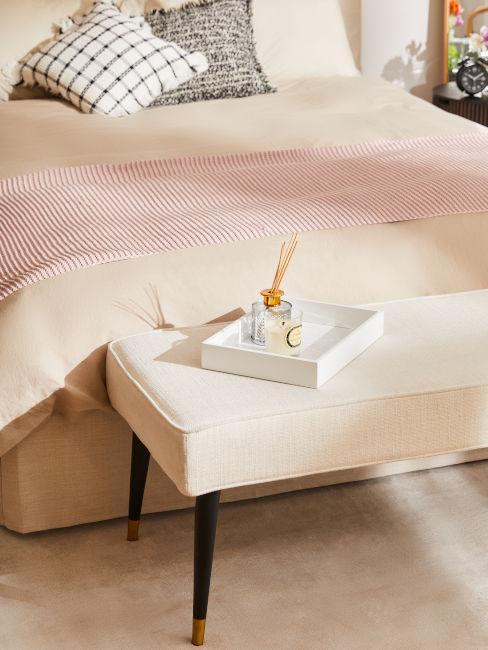 panca in fondo al letto