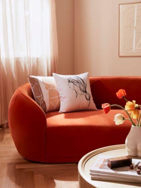 divano colore arancione