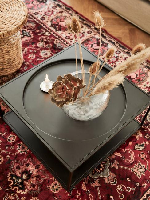 tavolino con tappeto decorazioni arabe soggiorno