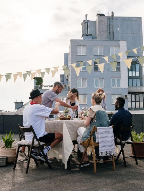 Festa estiva sul terrazzo