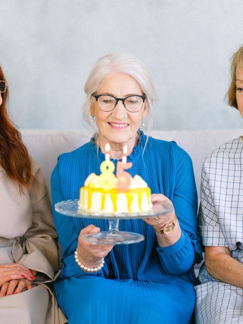 nonna che compie gli anni