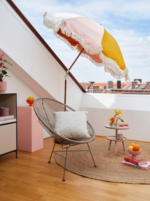 Decorare il balcone con i colori