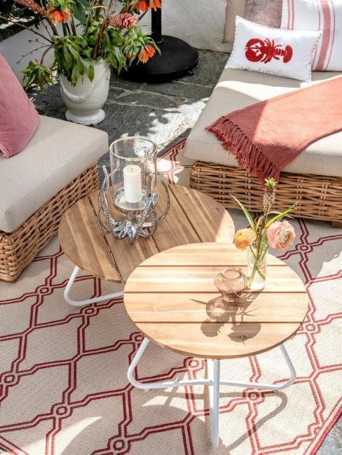 Dettaglio tavolino da giardino