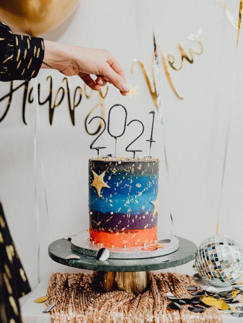 torta decorata per festa capodanno