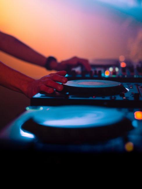 DJ e musica per organizzare feste