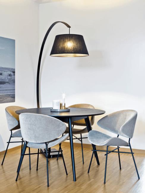 Tavolo rotondo in arredamento moderno