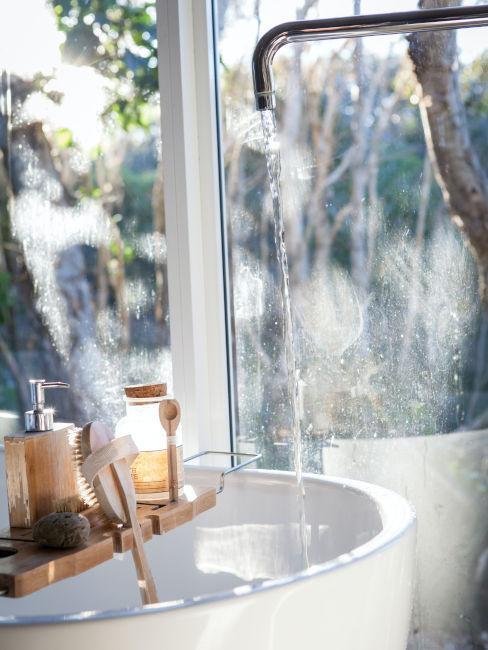 vasca da bagno con vassoio relax
