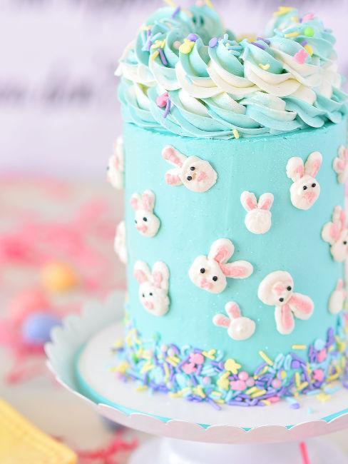torta per bambini con pasta di zucchero