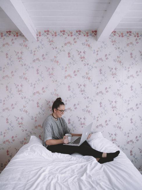 Usare la carta da parati in camera da letto