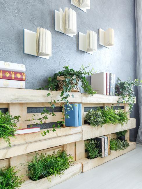 librearia a muro con scaffalature in pellet