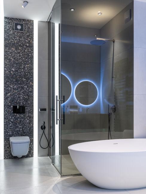doccia con vetri trasparenti
