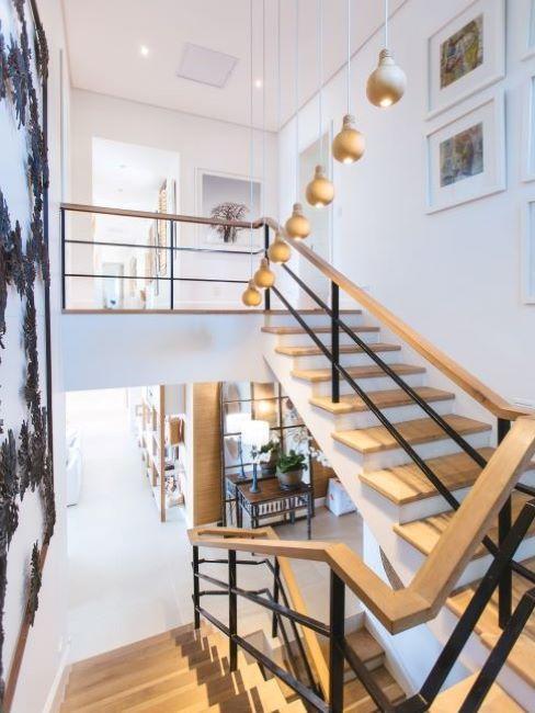 scala per interni moderna in legno